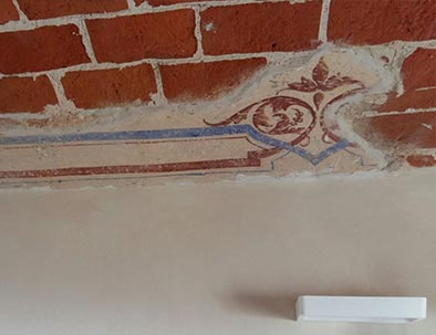Although we have restructured the villa we left the original frescoes
